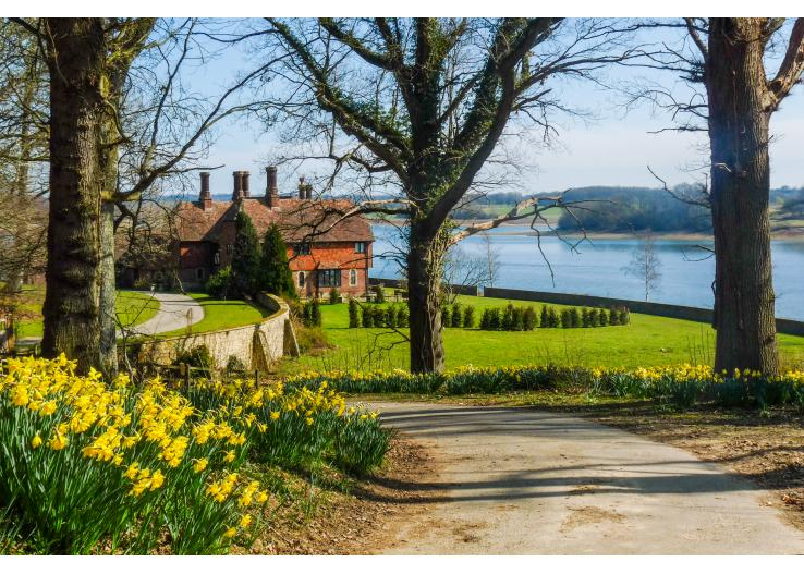 pad_738_527_Waterside-House-Sussex-Uk-Olivers-Travels__1_